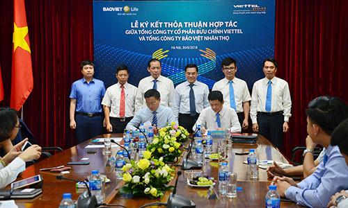 Tổng Công ty Bảo Việt Nhân thọ ký kết thỏa thuận hợp tác với Tổng Công ty Cổ phẩn Bưu chính Viettel