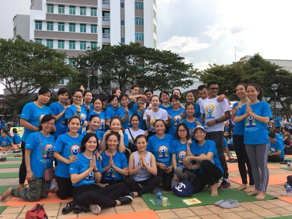Ngay hoi Yoga tai Da Nang-20180727-09071531