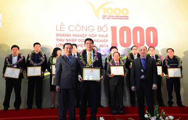 ong-do-van-dong-dai-dien-bao-viet-nhan-tho-nhan-chung-nhat-v1000-20141202-14124939