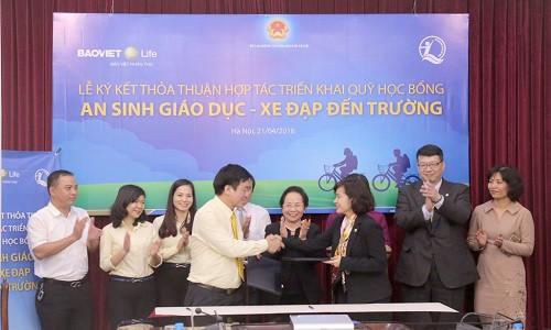 Bảo Việt Nhân thọ trao tặng 1.500 xe đạp cho trẻ em có hoàn cảnh khó khăn