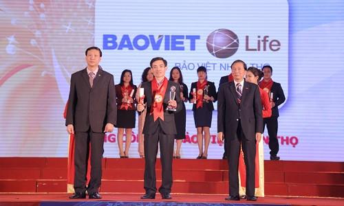 Bảo Việt Nhân thọ vinh dự nhận giải thương hiệu mạnh năm 2016