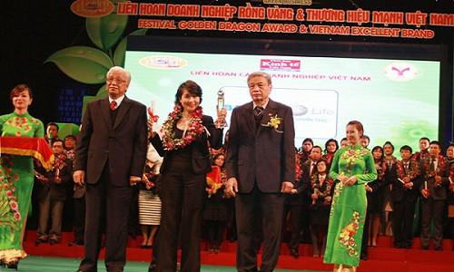 Bảo Việt Nhân thọ vinh dự nhận giải thương hiệu mạnh