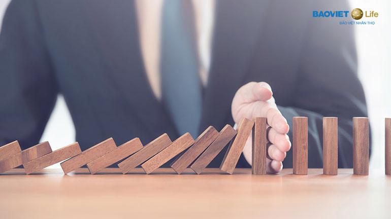 mua bảo hiểm nhân thọ để hạn chế rủi ro mang lại
