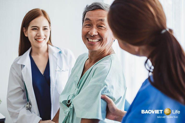 Bảo hiểm nhân thọ hỗ trợ chi phí khám chữa bệnh cho cả đột quỵ nặng và đột quỵ nghiêm trọng