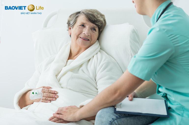 Bảo hiểm nhân thọ hỗ trợ viện phí