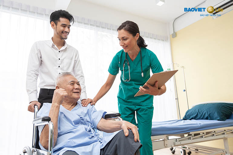bảo hiểm nhân thọ với quyền lợi về bệnh hiểm nghèo, ung thư