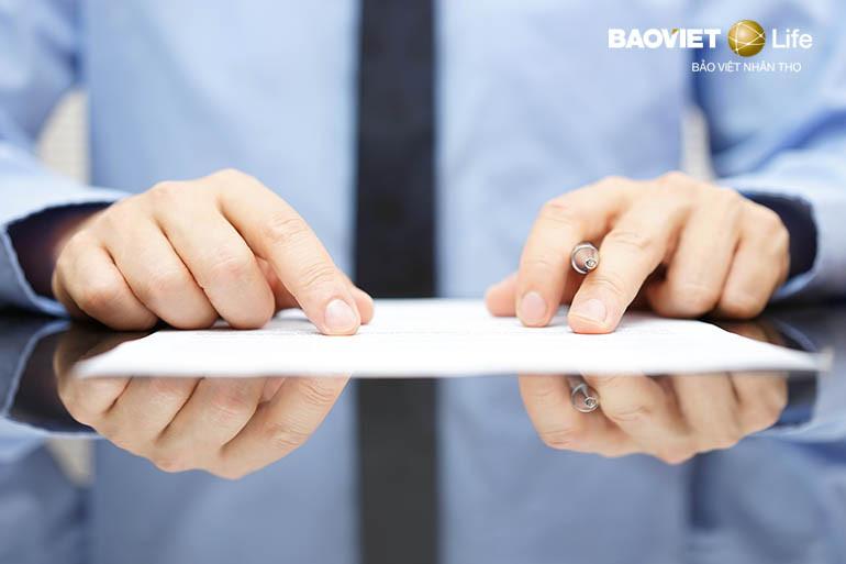 Kiểm tra lại các điều khoản loại trừ trong hợp đồng bảo hiểm nhân thọ