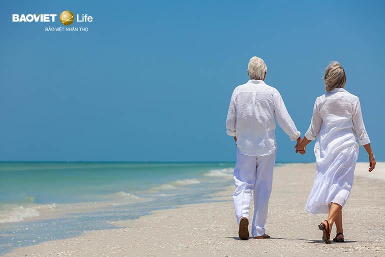 bảo hiểm nhân thọ hưu trí giúp không lệ thuộc con cháu