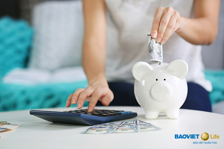 Bảo hiểm nhân thọ giúp bạn tiết kiệm tiền