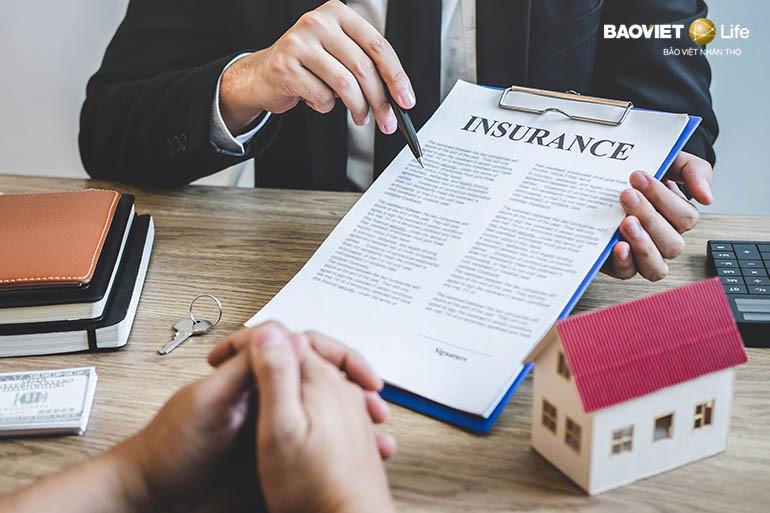 Đọc kỹ hợp đồng khi tham gia bảo hiểm nhân thọ