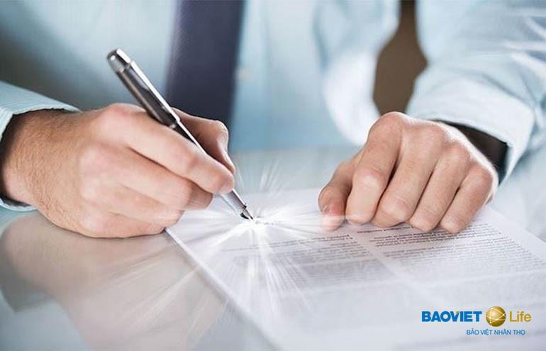 Người tham gia bảo hiểm có trách nhiệm khai báo thông tin trung thực để tránh rủi ro về lâu dài