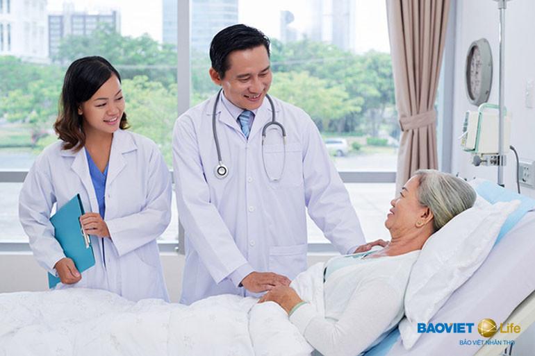 bảo hiểm nhân thọ hỗ trợ chi phí khi gặp rủi ro sức khỏe