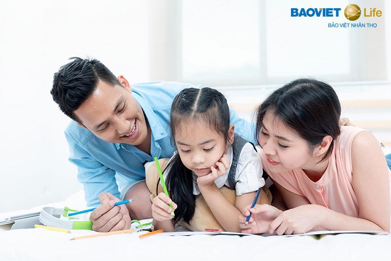 Tham gia bảo hiểm nhân thọ giáo dục để trẻ có tương lai an nhàn