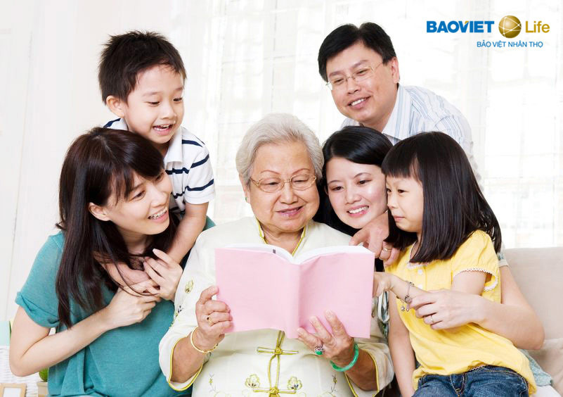 Tham gia bảo hiểm chăm sóc y tế sớm để an hưởng tuổi già